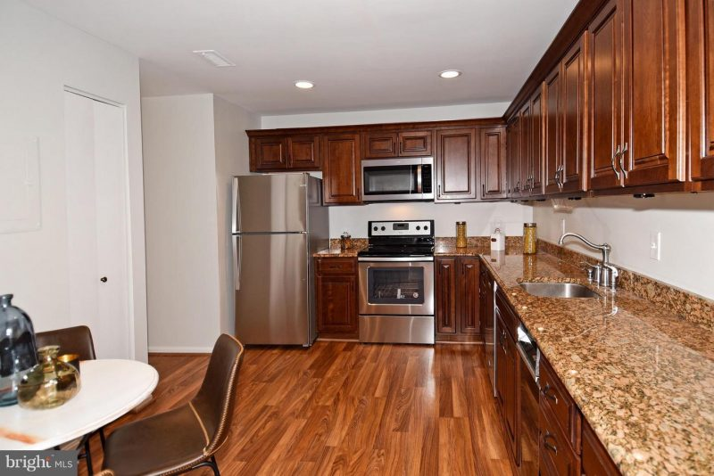 Beauitful 3 bed Room townhouse for rent/ close to Walter Reed National Military Medical center